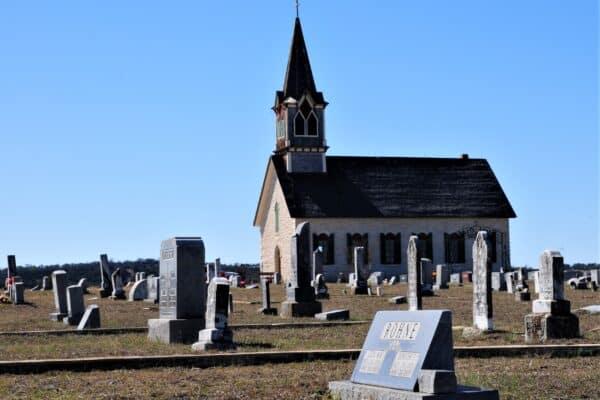 etterkommere etter Evan og Marianne Rohne ved Rock church i det ævre settlementet i NOrse, Bosque County, Texas.